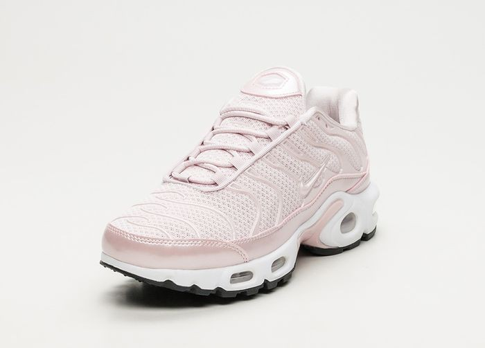 chaussures nike tn rose