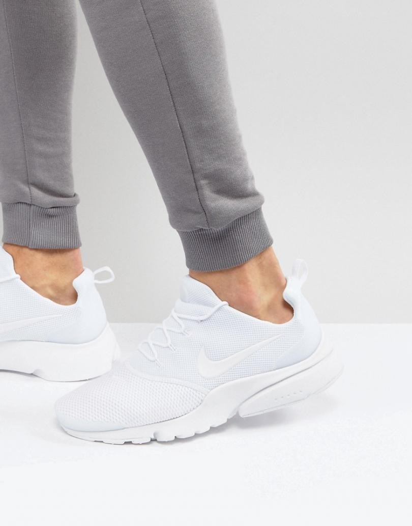 nike chaussures blanches homme